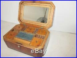 Georgian mahogany Jewelry or Sewing Box w. Mirror 1780-1800