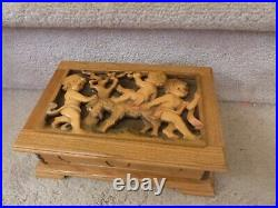 VINTAGE Handcarved Anri Reuge Music Jewelry Box Putti Kids Goat Italy 9.75x6.7