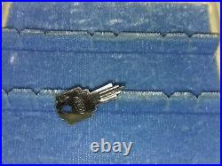 Vtg Mele Jewelry Box KEY Treasure Trove #396 Large Organizer Storage Case Ivory